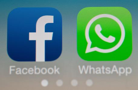 Facebook  WhatsApp,