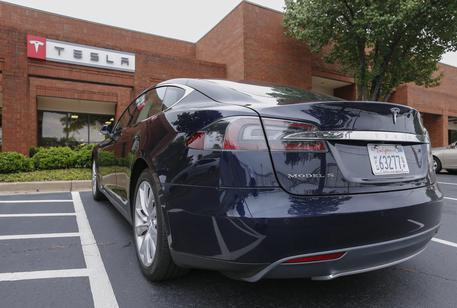 Complaint filed against Telsa Motors car sales in Marietta, Georgia, USA