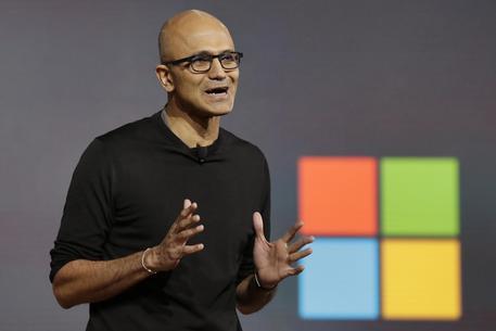 Microsoft sfida Apple e Google su smartphone e tablet