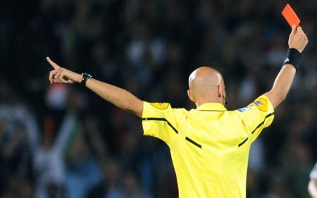 cartellino_rosso_arbitro-2