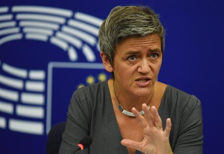 BANCHE: LA LETTERA UE CHE FRENA L'ITALIA. LE REAZIONI