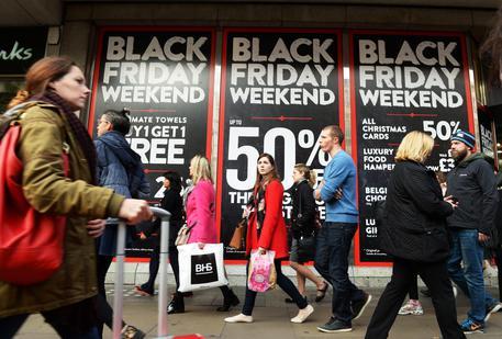Black Friday shopping in London