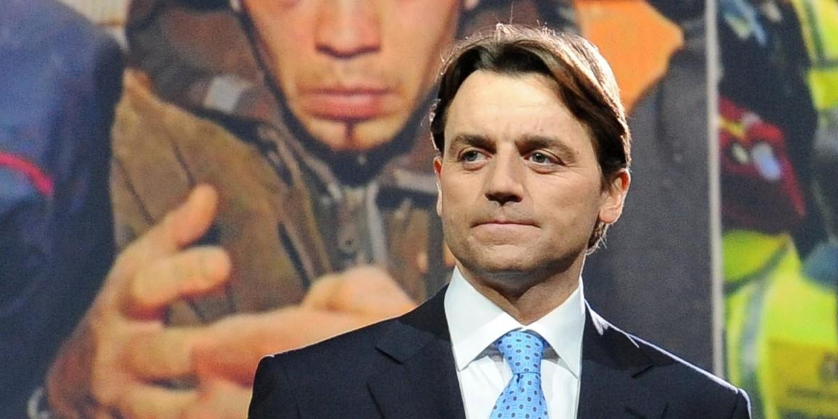 20090224-ROMA-ACE-TV: MATRIX; ALESSIO VINCI NUOVO CONDUTTORE. Alessio Vinci fotografato oggi nello studio dove da questa sera condurra' il programma giornalistico 'Matrix'.        ANSA / ETTORE FERRARI / FRR