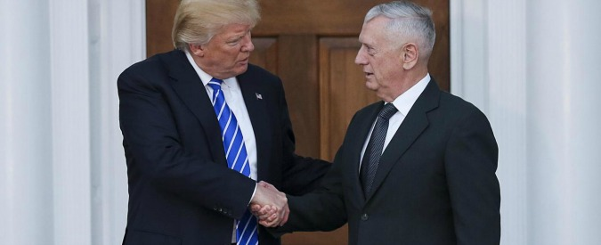 President-elect Donald Trump (L) shakes hands with General James Mattis (R) at the clubhouse of Trump International Golf Club, November 19, 2016 in Bedminster Township, New Jersey. (Aude Guerrucci / Pool) Donald Trump, meeting al Trump International Golf Club LaPresse -- Only Italy 571945