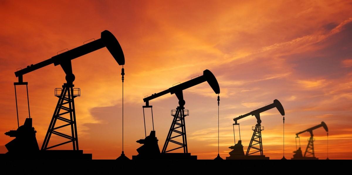 Questa immagine ha l'attributo alt vuoto; il nome del file è petrolio.jpg
