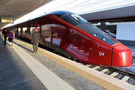 Questa immagine ha l'attributo alt vuoto; il nome del file è italo-treno-e1518013971553.jpg