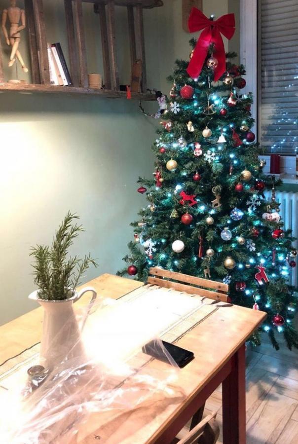 Albero Di Natale 8 Dicembre.8 Dicembre 10 Canzoni Di Natale Per Addobbare L Albero La Mescolanza
