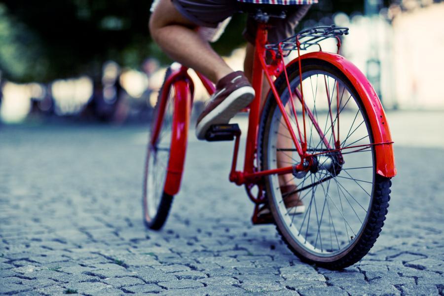 Questa immagine ha l'attributo alt vuoto; il nome del file è bici.jpg