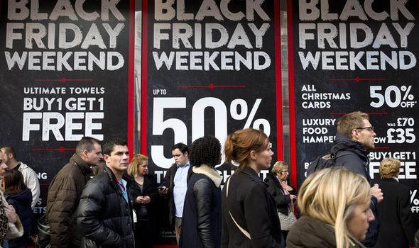 Questa immagine ha l'attributo alt vuoto; il nome del file è Black-Friday-2017-when-is-date-UK-USA-sales-deals-day-862332-1.jpg