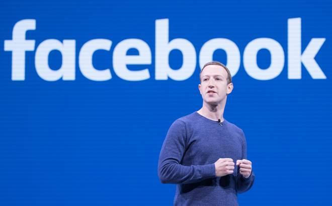 Questa immagine ha l'attributo alt vuoto; il nome del file è Zuckerberg.jpg