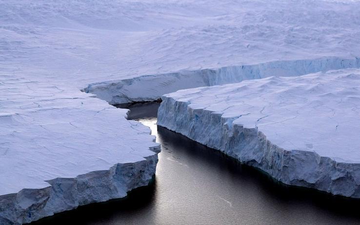 Questa immagine ha l'attributo alt vuoto; il nome del file è Antartide-canyon.jpg