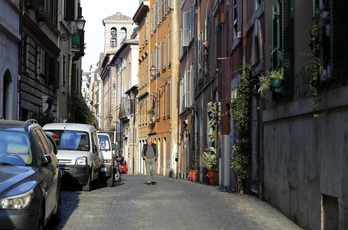 Questa immagine ha l'attributo alt vuoto; il nome del file è cura-italia.jpg