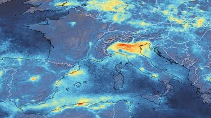 Questa immagine ha l'attributo alt vuoto; il nome del file è smog.jpg