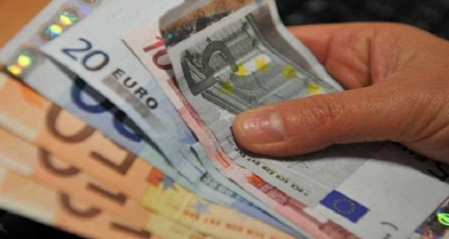 Questa immagine ha l'attributo alt vuoto; il nome del file è soldi-2.jpg