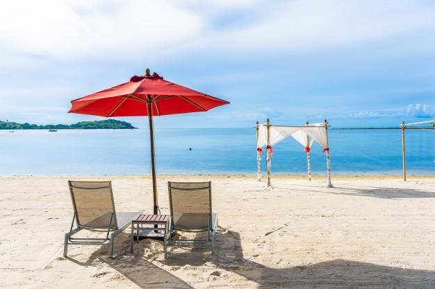 Questa immagine ha l'attributo alt vuoto; il nome del file è spiaggia.jpg