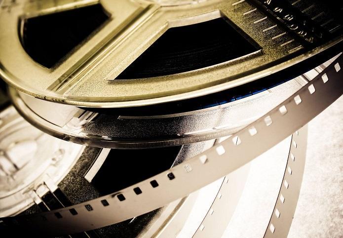 Questa immagine ha l'attributo alt vuoto; il nome del file è Pellicola-cinematografica.jpg