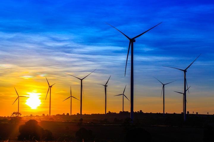 Questa immagine ha l'attributo alt vuoto; il nome del file è energia-eolica.jpg