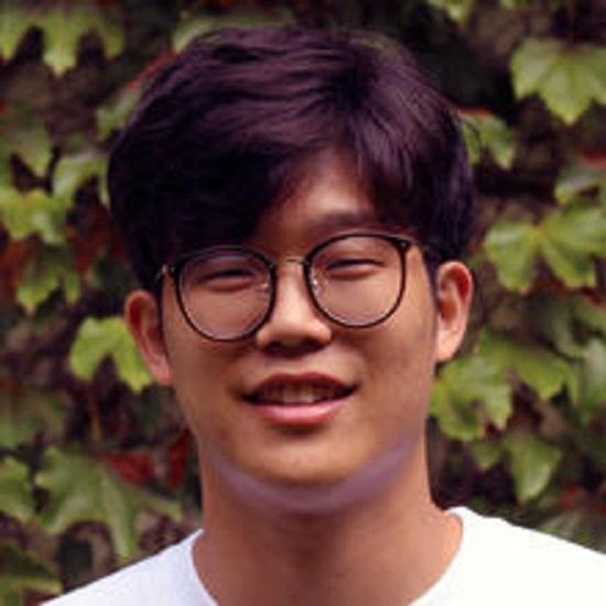 Questa immagine ha l'attributo alt vuoto; il nome del file è Doyeon-Kim.jpg