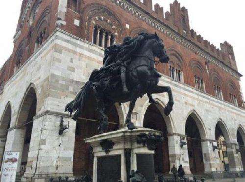 Questa immagine ha l'attributo alt vuoto; il nome del file è Piacenza-scaled.jpg