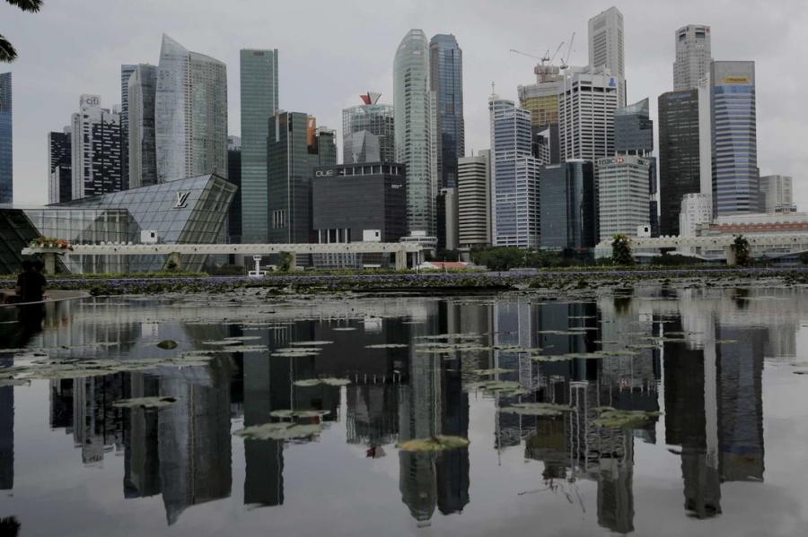 Questa immagine ha l'attributo alt vuoto; il nome del file è singapore.jpg
