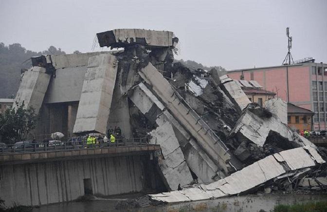 Questa immagine ha l'attributo alt vuoto; il nome del file è crollo-Genova.jpg