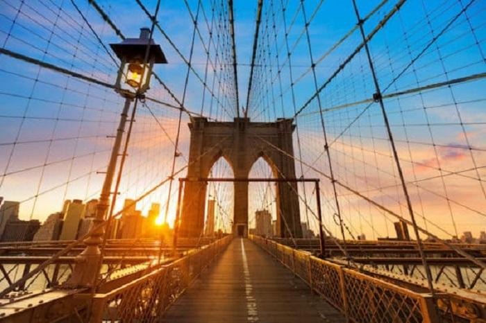Questa immagine ha l'attributo alt vuoto; il nome del file è ponte-di-brooklyn.jpg